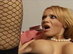 Порно: Ажурні Панчохи, Мінет, Блондинки, Грудасті