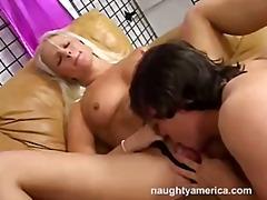 Porn: Američani, Poredna, Blondinka