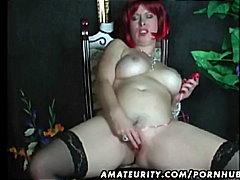 Porn: घरेलू महिला, बड़े स्तन, घर में तैयार