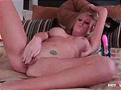 Porno: Döşlər, Qırxılmış, Vibrator, Masturbasya