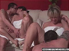 جنس: حفلة, مجموعات, نهود صغيرة, أفلام خاصة