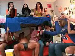 جنس: مجموعات, مص, مراهقات, حفلة