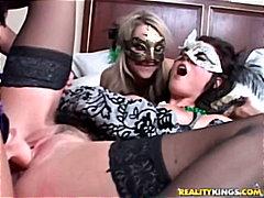 Porno: Lesbianas, Tatuajes, Lesbianas, Tetonas