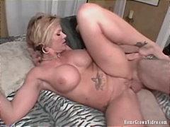 Porno: Zrelé Ženy, Veľké Kozy, Domáce Videá, Blondínky