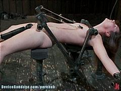 Porn: Fetiš, Majhni Joški, Vibrator, Zvezan