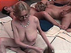 جنس: الجنس فى مجموعة, تبادل, حفلة, تشيكيات