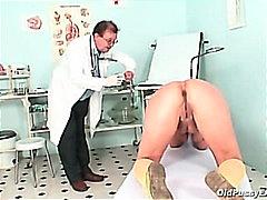 Porno: Tussu, Vanaema, Vagiina, Vaatluspeegel