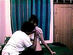 Porno: Studenti, Video Shtëpiake, Qiftet, Indiane