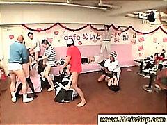 جنس: خادمات, فتشية, آسيوى, يابانيات