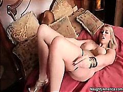 Porr: Fru, Blond, Säng, Bröst
