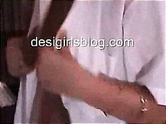 Porno: Nännit, Pienet Rinnat, Intialainen, Teini