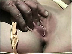 Porno: Fete, Pisari, Desfrau, Sperma Aruncata
