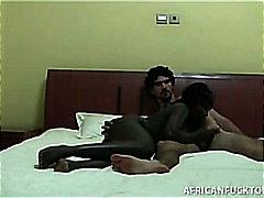 פורנו: שחורות, רב גזעי, מצלמות, מציצות
