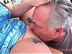 Porno: Sclavi, Lins, Pizde, Ejaculare Pe Fata