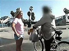Pornići: Svršavanje, Plavuše, Plaža, Pušenje Kurca