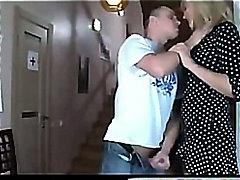 ポルノ: 母親, 美熟女, ロシア人, 熟女
