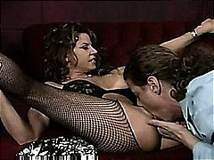 جنس: سكيرتيرات, سيدات رائعات, كس مشعر, تستمنى زبه بيدها