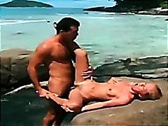 Porno: Bikini, Çöldə, Anal, Çalanşik