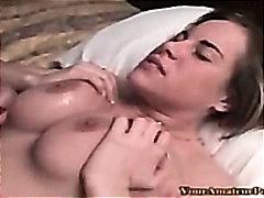 Porno: Sürmək, Böyük Döşlər, Döşarası, Üstünə Qurtarmaq