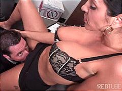 Porno: Milf, Punë Me Cica, Në Zyre, Qiftet