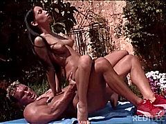 Pornići: Porno Zvijezda, Pušenje, Vani, Par