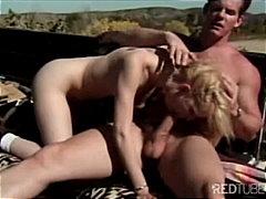 Porn: Par, Blondinka, Pobrita, V Javnosti