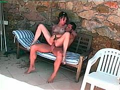 جنس: زوجان, قضيب كبير, حمام السباحة, خارج المنزل