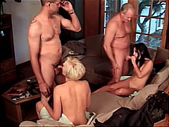 Porno: Groupe, Blondes, Gode-Ceinture, Pipes