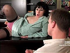 جنس: في المكتب, لعبة, نكاح اليد, لحس الشرج