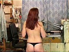 Porno: Striptizerka, Flokëkuqe