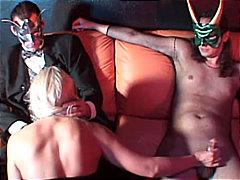 Pornići: Seks U Troje, Pušenje