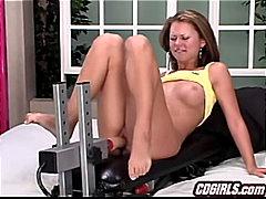Porno: Morenes, Joguina, Masturbació