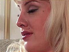 Porno: Pornstar, Pits Grossos, Masturbació, Petó Anal De Dona A Home