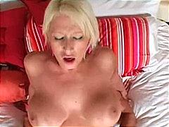 Porno: Lieli Pupi, Blondīnes, Izskūtās, Pāri
