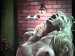 جنس: نكاح اليد, نهود كبيرة, نجوم الجنس, مص