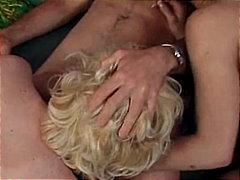 Bold: Blonde, Tatluhan, Tsupa