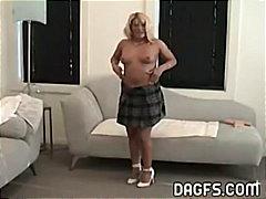 Porno: Mamatë, Me Gisht, Milf, Bjondinat