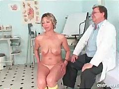جنس: غريب جداً, منظار, طبيب النساء, خبيرات