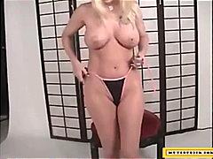 Porn: Masturbacija, Velike Joške, Tetovaža, Bikinke
