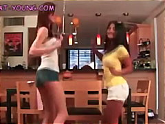 Porn: Ples, Najstnica, Azijci, Lezbijka