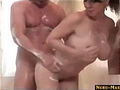 Πορνό: Παίξιμο, Μεγάλα Βυζιά, Λάδι, Χύσιμο