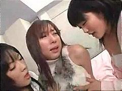Porno: Puthje, Aziatike, Lezbiket, Në Grupë