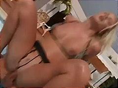 Porno: Oralinis Seksas, Baseine, Šikna, Sperma Ant Veido