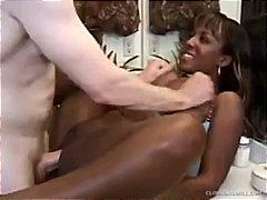 Porno: Tetonas, Facesitting, Masturbación, A 4 Patas