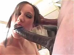 جنس: الوجة, ضرب الطيز, نيك الفم حتى الزوران, كيلوت