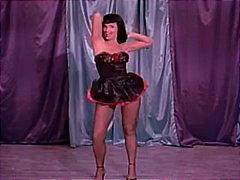 Porn: Žensko Spodnje Perilo, Mehka Erotika, Slačenje, Klasika