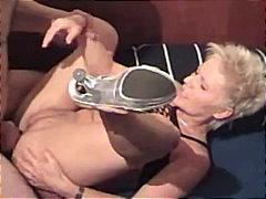 Porno: Spermos Šaudymas, Ji Smauko, Orgija, Šuniuku