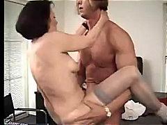 پورن: تلفیق, مادر بزرگ, پستون, بوسه
