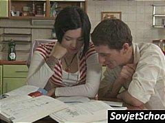 Порно: Тинејџери, Руско, Бринета, Сукња