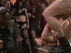 Porno: Grupinis Prievartavimas, Analinis